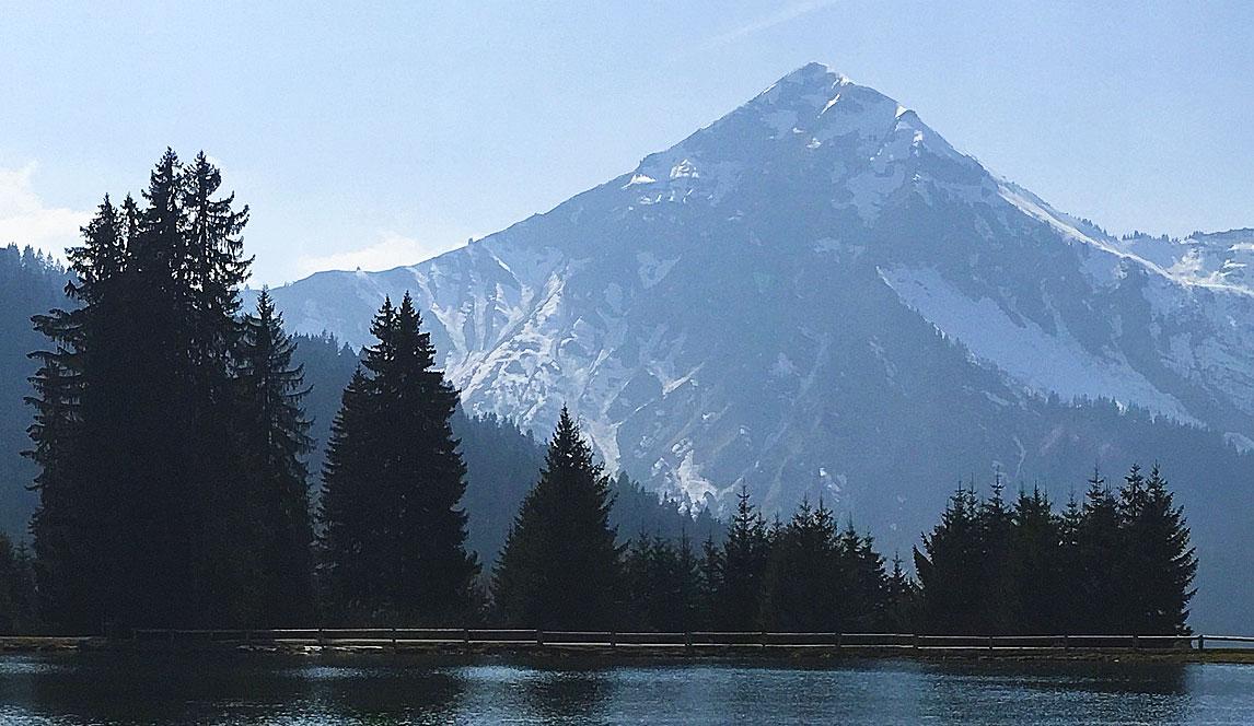 Photographie du Lac des Mines d'Or près de Morzine (Alpes).